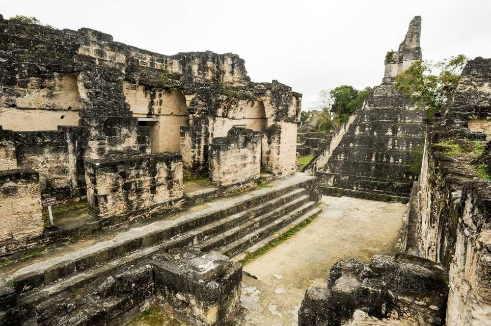 Antigua Guatemala e Mundo Maya