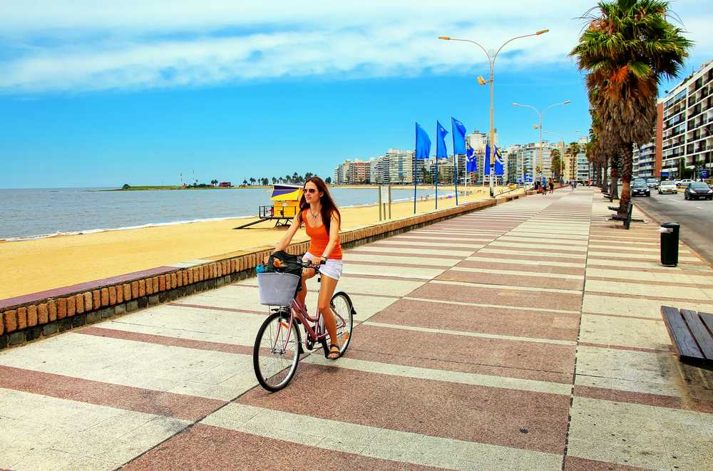 Passeio de Bicicleta por Montevidéu