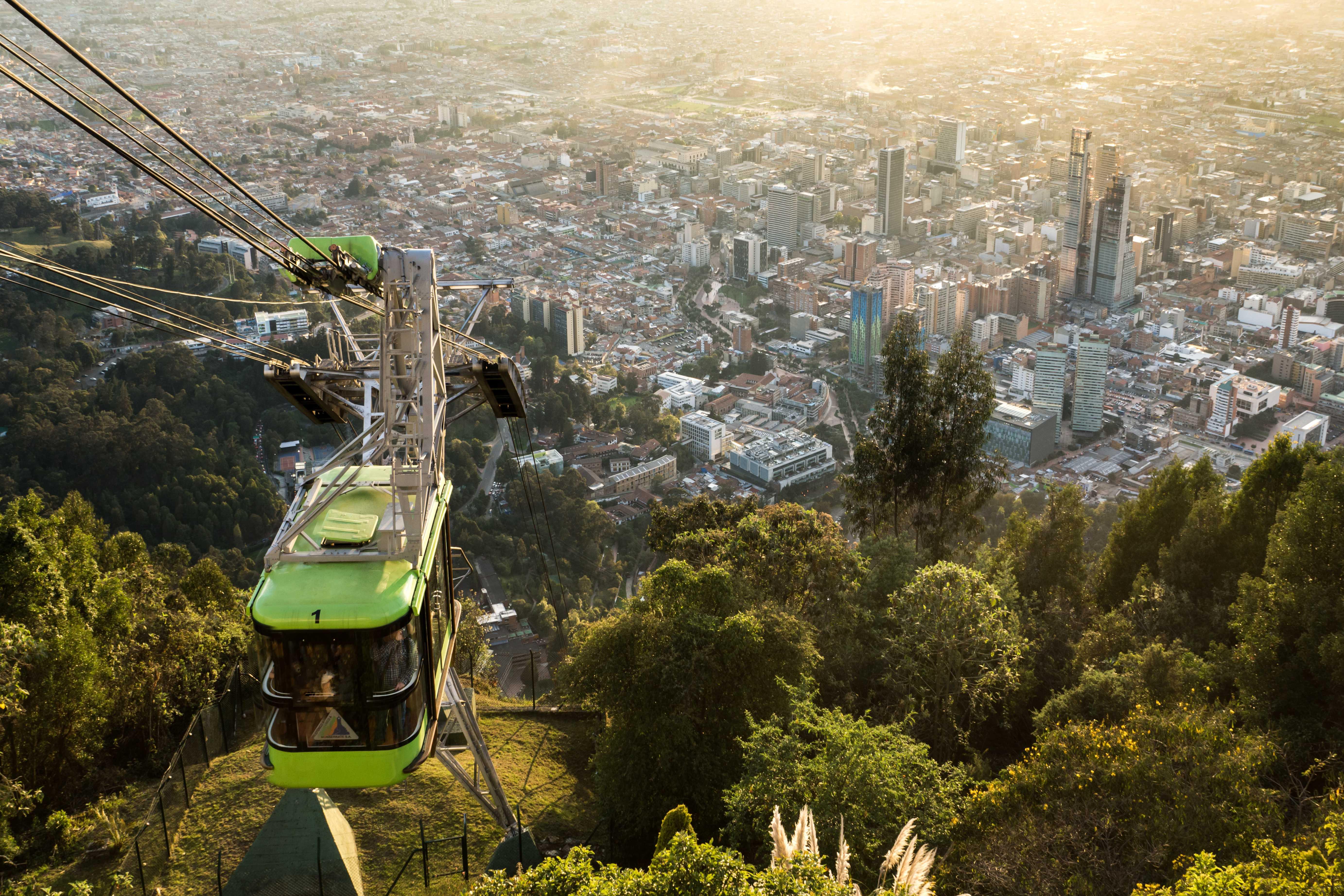 História, Modernidade e Sol, Bogotá, Medellín e Cartagena