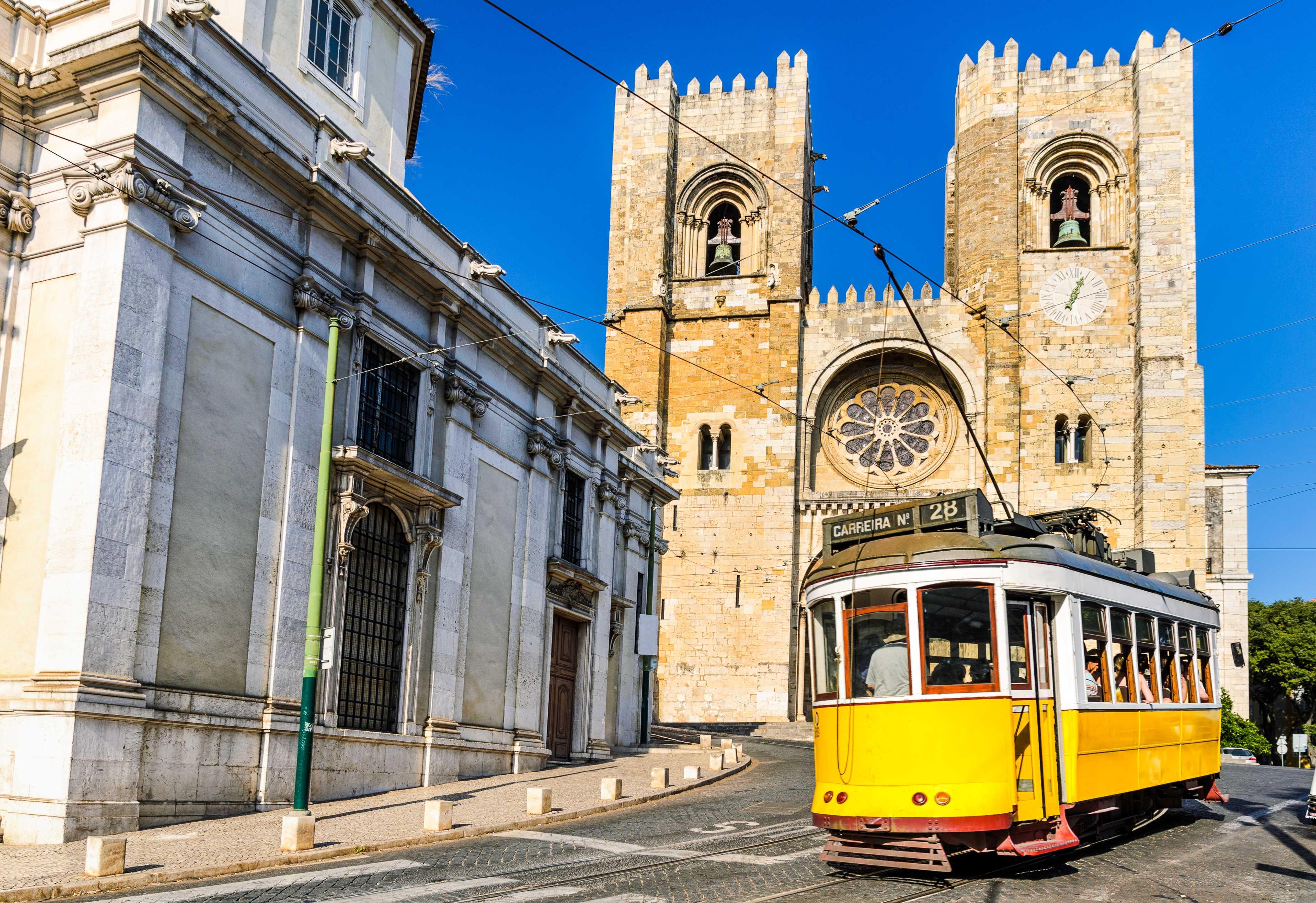 Lisboa | Tour Regular de Dia Inteiro sem Almoço (saída do Porto)