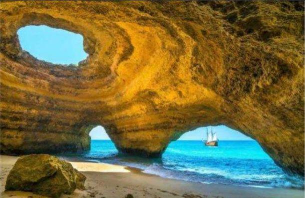 Algarve | Passeio de Barco pelas Grutas
